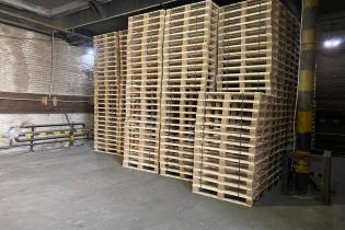 Поддоны: склад готовой продукции